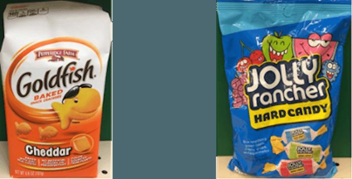 Twee zakken snacks